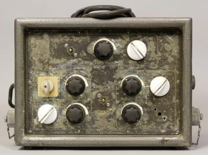 2 BOITIERS RADIO-TÉLÉPHONE pour scaphandriers...