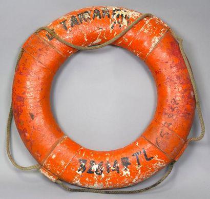 8 BOUÉES de sauvetage pour bateaux dont le...