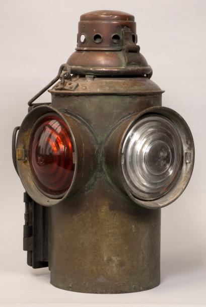LAMPE LANTERNE de chemin de Fer du XIXème...