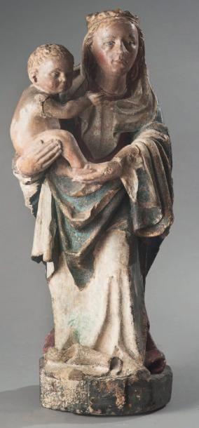 Vierge à l'Enfant Sculpture en pierre traitée...