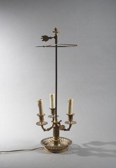 Lampe bouillotte en bronze ciselé et doré,...