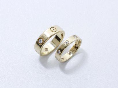 CARTIER ''LOVE'' Lot de 2 anneaux en or 750...