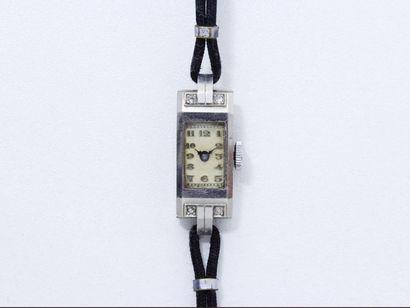 Montre bracelet de dame platine 850 millièmes,...