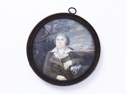 Portrait miniature rond peint sur ivoire...