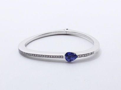 PATRICE FABRE ''CUPIDON'' Elégant bracelet jonc ouvrant en or gris 750 millièmes,...