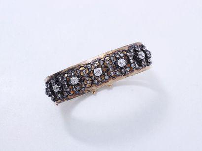 Bracelet jonc rigide ouvrant en or 750 millièmes...
