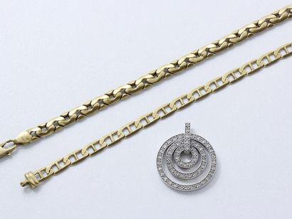 Lot en or 750 millièmes composé d'un pendentif...