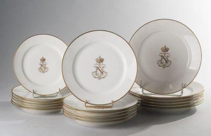 Sèvres, circa 1843-1862  Six assiettes à...