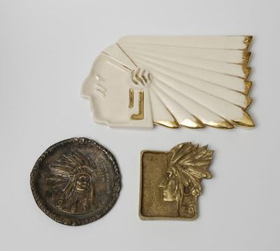 INDIENS D'AMERIQUE Cendrier en fonte de bronze...