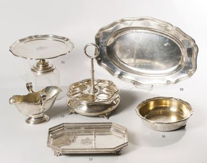 WOLLENBERG, 1900-1918  Un plat ovale en argent,...