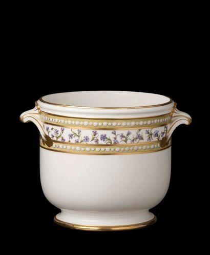 SEVRES, 1781-1782  Vendu avec faculté de...