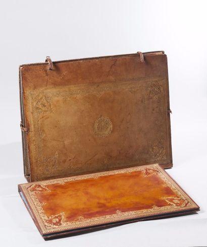FRANCE, 1770-1775  Rare portefeuille aux...