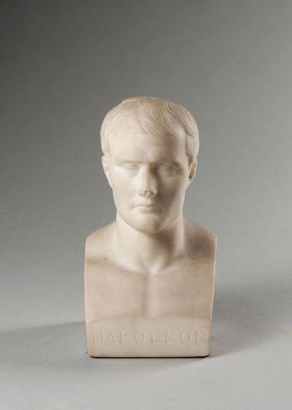 ANTOINE-DENIS CHAUDET (1763-1810), D'APRES  L'empereur Napoléon Ier  Buste en marbre...