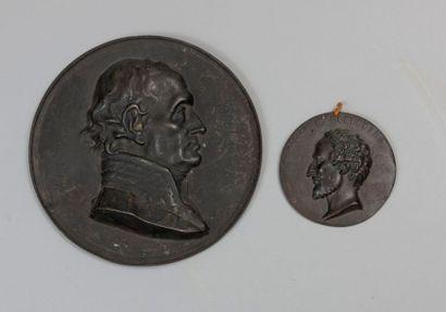 MEDAILLON EN FONTE de fer orné du profil droit en relief du maréchal de Soult (1769-1851),...