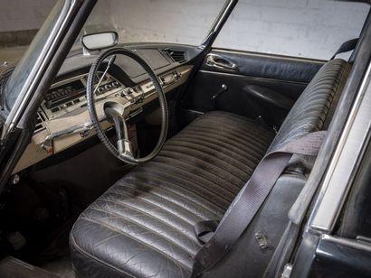 Citroën DS 21 Prestige par Chapron Citroën DS 21 Prestige par Chapron 1968 N° châssis...