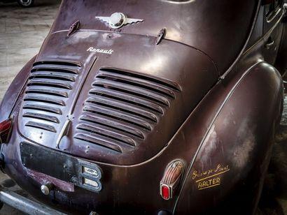 Renault 4CV Renault 4CV N° châssis ou moteur : 210368 Surnommée la « 4 pattes »,...