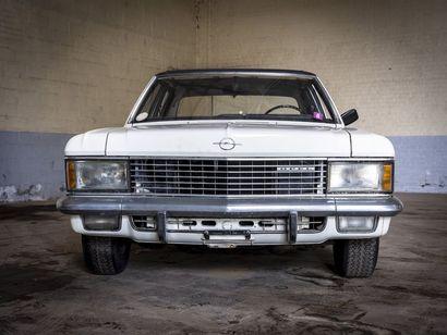 Opel Admiral 2800 berline Opel Admiral 2800 berline N° châssis ou moteur : 294791984...