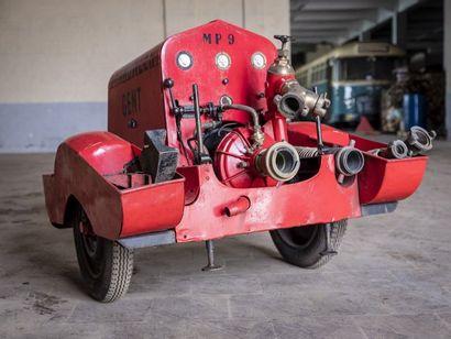 Motopompe Motopompe circa 1960 N° châssis ou moteur : Moto pompe aux allures surprofilée,...