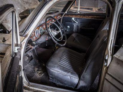 Vauxhall VX 4.90 Vauxhall VX 4.90 N° châssis ou moteur : FBH4283388 pas de titre...
