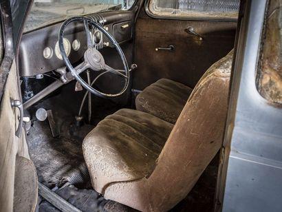 Ford Tudor V8 Ford Tudor V8 1935 N° châssis ou moteur : 2175930 La Ford V8 représente...