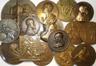 Lot II de 15 médailles par de célèbres graveurs