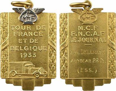 Automobile : Course d'autocars 28 places, tour de France et de Belgique (Delahaye), médaille d'or, M