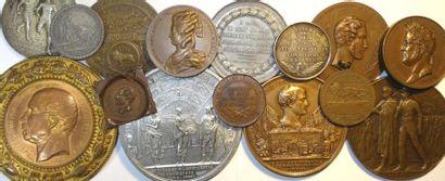 Histoire : lot de 15 médailles