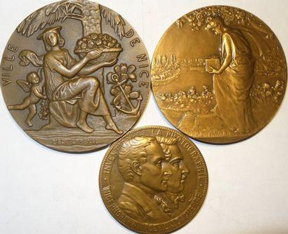 Photographie : lot de 3 médailles (Niepce et Daguerre ; biennale photo de Nice 1957 ; la Photographi
