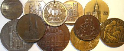 Religion : lot de 11 médailles