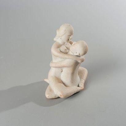 GROUPE EN PORCELAINE à sujet érotique. Chine, XXème siècle. Haut.: 8,5 cm; Prof.:...