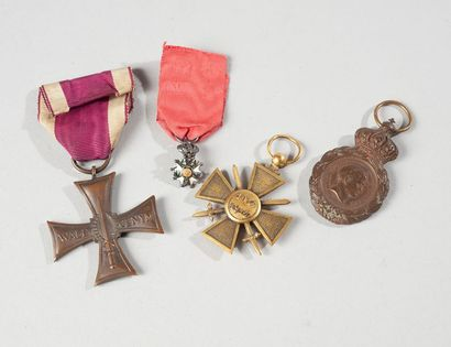 Lot de médailles dont légion d'honneur)