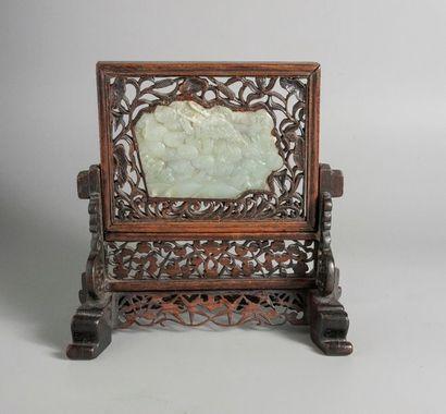 ECRAN DE TABLE en bois serti d'une plaque...