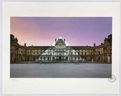 JR (Français, né en 1983) Le Louvre revu par JR, 19 juin 2016, 5h41 © Pyramide, architecte...