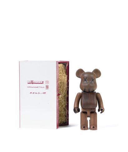 KAWS (Américain, né en 1974) KAWS (Américain, né en 1974)  Bearbrick BWWT 400 %  Figurine...