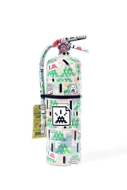 Sticked Extinguisher, 2007  Extincteur recouvert...