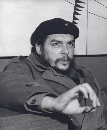 AFP AFP  Le ministre de l'Industrie de Cuba, Ernesto Che Guevara, en janvier 1965....