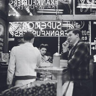 AFP - Eric SCHWAB AFP - Eric SCHWAB  Dans un « milk bar » sur Broadway, en mars 1947,...