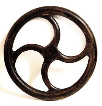 Modèle de fonderie en bois d'une roue de...