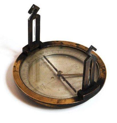 Boussole de mine. Diamètre: 10,5 cm. France,...