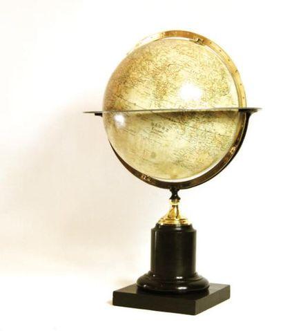 Globe terrestre. Cercle méridien et table...