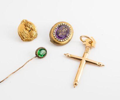 Lot de bijoux fantaisie fin du XIXe siècle...