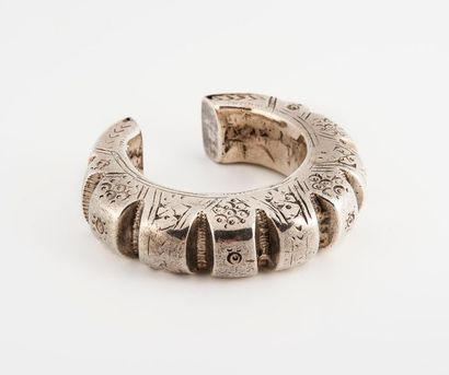 Bracelet manchette en argent étranger 925...