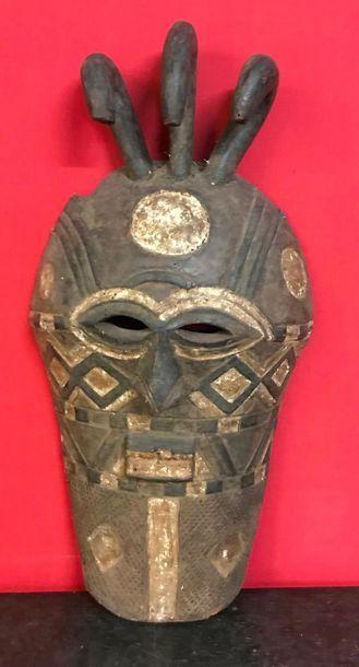 Masque de danse Tetela RDC Bois. 80 x 42 cm.