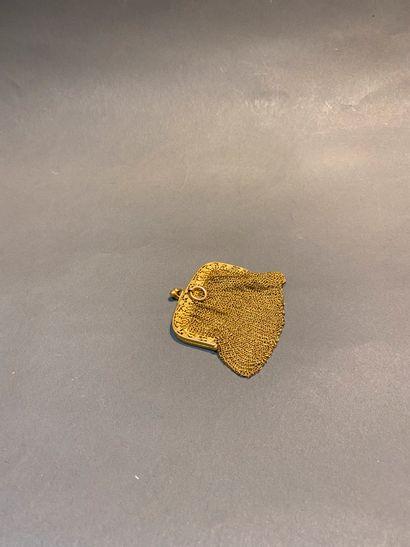 Bourse ciselée en or 750°/°°,  Poids : 48,59...