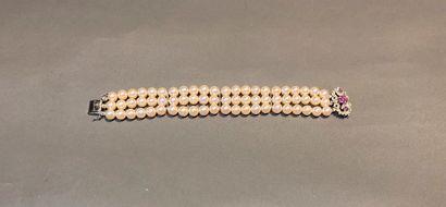 Bracelet de trois rangs de perles de culture,...