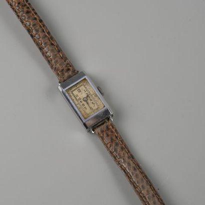 Bracelet montre de dame en acier, modèle...