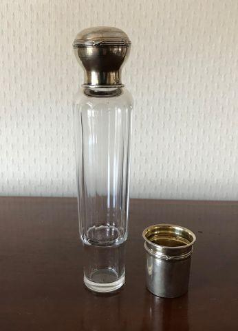 Flacon à alcool monture argent 950 °/°° Poids...