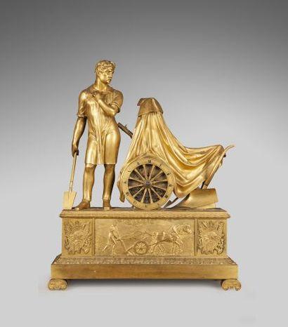 Importante pendule en bronze doré et ciselé,...