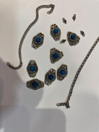 Eléments de collier en argent orné de jaspe...