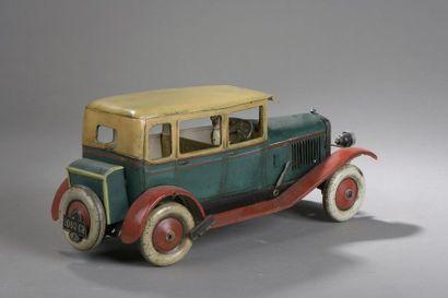 FRANCE CR n°1002 Voiture verte - Toit beige  Dim. 15,5 x 36 cm